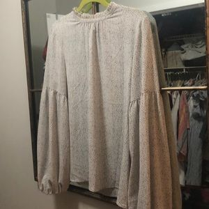 Vince Camuto puff sleeve top size S